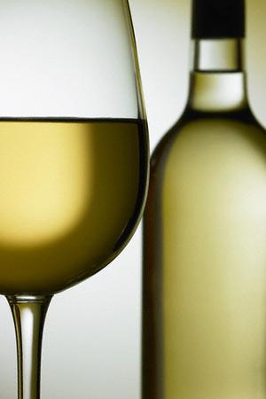 Умеренные дозы алкоголя предотвращают сердечные проблемы у мужчин, перенёсших операцию на сердце