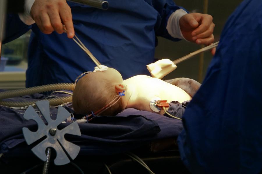 Бакулевский кардиохирургический центр и Первая детская горбольница Петербурга подпишут соглашение о сотрудничестве