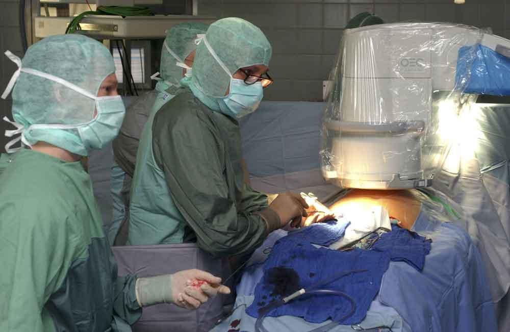 Удивительно, однако, смена перчаток привела к смерти 5 пациентов