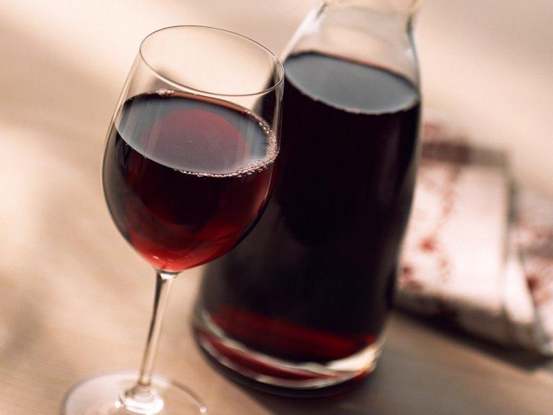 Немного красного вина для противораковой терапии