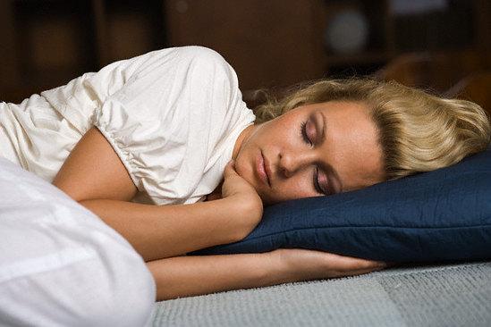 Недостаток сна негативно влияет на мозг