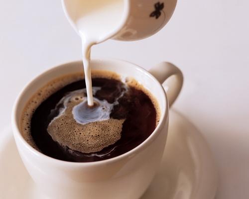 Одновременное потребление фаст-фуда и кофе удваивает уровни сахара в крови