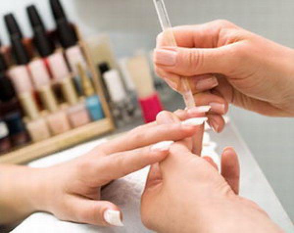 От вредной привычки избавят наращенные ногти