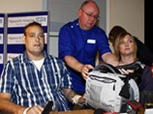 Операция спасла мужчине жизнь, но теперь он вынужден носить свое «сердце» в рюкзаке
