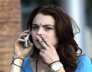 Курение повышает риск инсульта у девушек