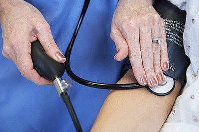 12 способов нормализовать высокое кровяное давление