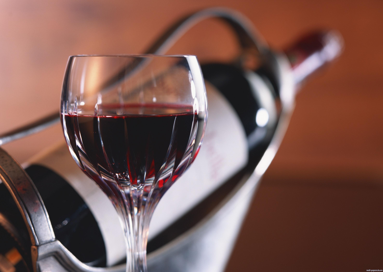 Алкоголь снижает риск смерти от сердечного приступа у женщин