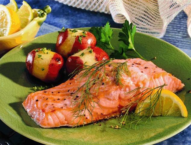 Для предотвращения инсульта необходимо есть рыбу