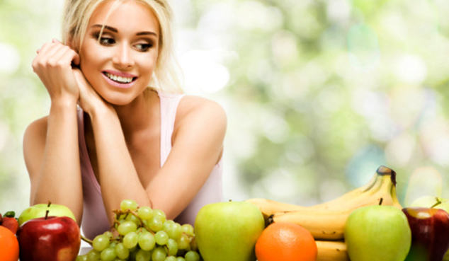 Волосы растут здоровыми из-за четырех витаминов