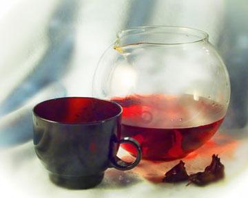 Чай каркаде снижает давление и защищает почки
