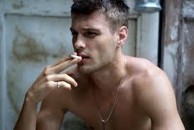 Как мужчины бросают курить