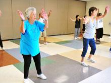 Аэробика и силовые упражнения, могут помочь справиться с высоким давлением