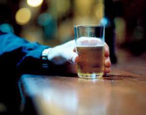 Спиртные напитки не дают мужчинам-сердечникам умереть