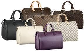 Сколько сумок должно быть в женском гардеробе?