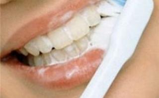 Британские ученые: нечищеные зубы грозят сердечным приступом