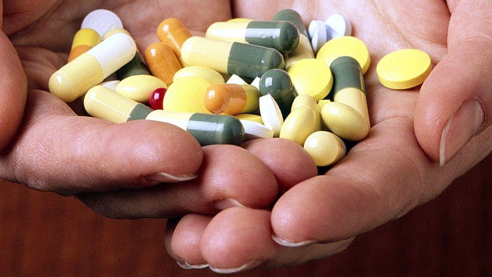 Если ребенок злоупотребляет таблетками, что делать?