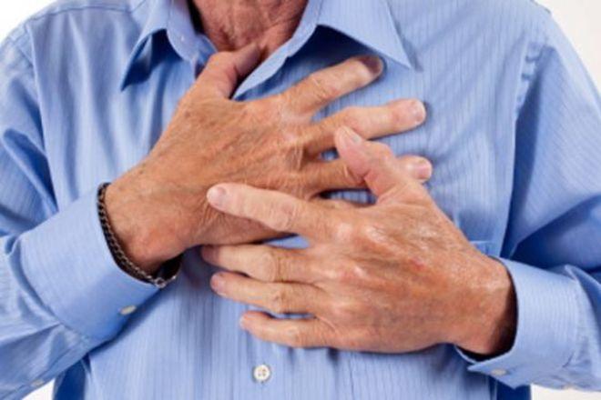 Продолжительность боли в груди подскажет: это сердечный приступ или «просто кольнуло»