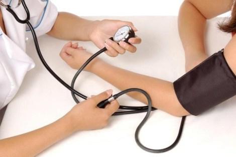 Повышенное кровяное давление: причины, симптомы, правильное питание, оздоровление