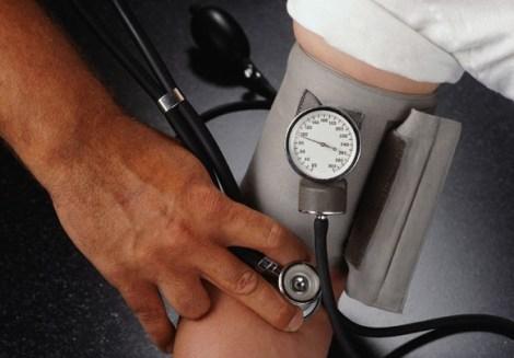 Повышенное кровяное давление, или артериальная гипертензия: описание, нормы, лечение, препараты