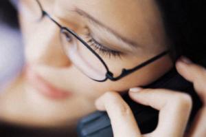 Разговоры по мобильному телефону повышают давление и уровень стресса