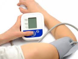 Как правильно измерять артериальное давление: врачи-кардиологи рекомендуют