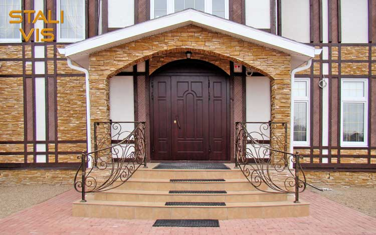 Надежность и красота входных дверей руками профессионалов