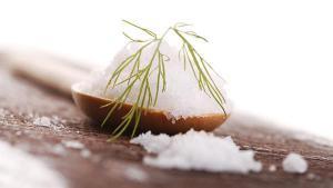 Ученые опровергли информацию о влиянии соли давление