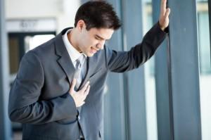 Боль в сердце при вдохе. Стоит ли волноваться?
