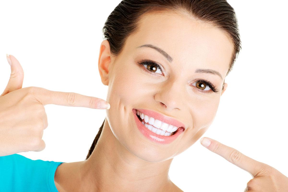 Отбеливание зубов — путь к уверенности в себе