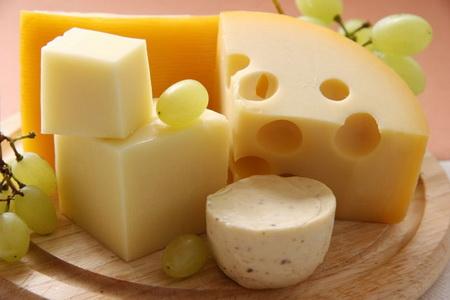 Ученые: сыр повышает кровяное давление