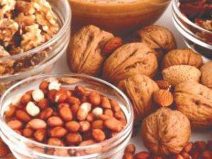 Несоленые орехи сберегут сердце