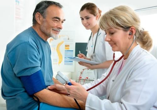 Гипертония у пожилых людей: диагностика и лечение