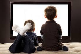 Просмотр телевизора в течение более чем двух часов увеличивает риск развития повышенного артериального давления на 30%