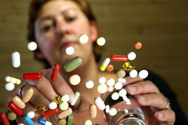 Медицинские юристы и врачи считают: продажу лекарств без рецептов надо запретить