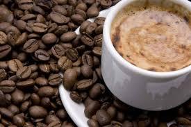 Существует ли связь между кофеином и учащенным сердцебиением?