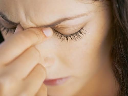 У женщин, страдающих мигренями, чаще возникают проблемы с сердцем