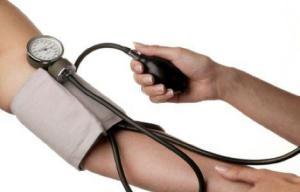 Контроль давления поможет избежать инсульта и инфаркта