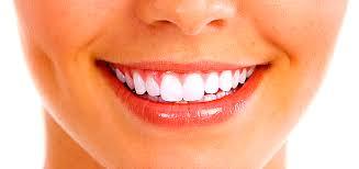 Как добиться белоснежной улыбки в домашних условиях?