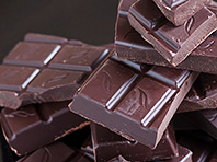 Специалисты подтвердили пользу темного шоколада для сердца и обмена веществ