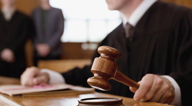 Врач, обвиняемый в халатности, перенес на суде инфаркт и был спасен своим обвинителем