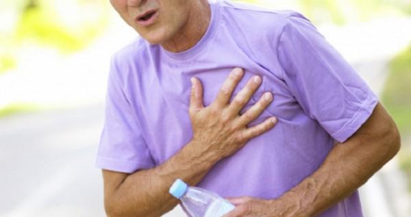 У мужчин, страдающих стенокардией, выше риск возникновения смерти и тяжелых заболеваний сердца, чем у женщин