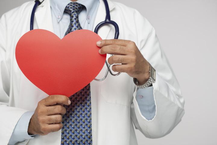 Вес, превышающий норму в среднем возрасте, повышает риск возникновения сердечно-сосудистых заболеваний в будущем