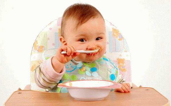 Начало прикорма для детей до года