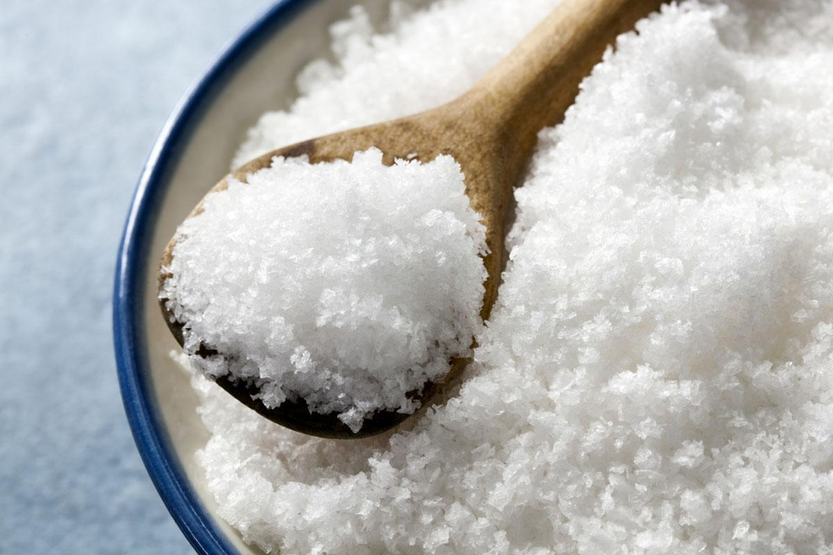 Всего две чайные ложки соли в день повреждают сердце