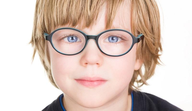 Как определить нарушения зрения у деток?
