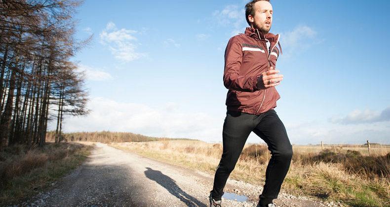 Кардиолог: «Мы физически запрограммированы на ходьбу». Кому не стоит заниматься бегом