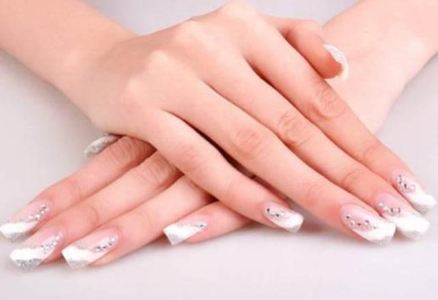 Гелевое наращивание ногтей — этапы и преимущества