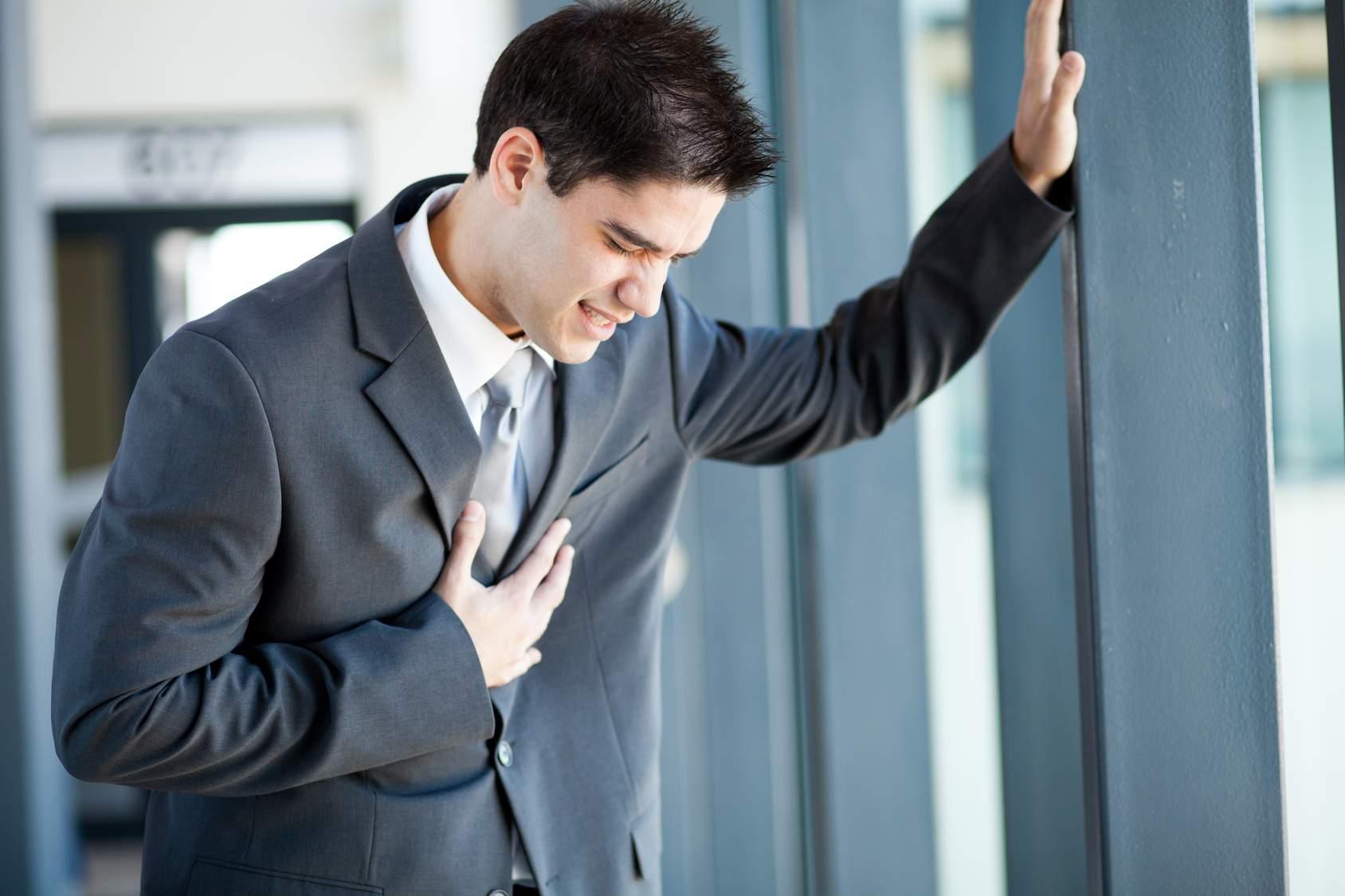 Эти симптомы могут говорить о приближающемся сердечном приступе