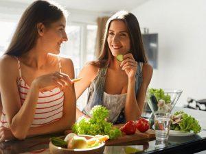 5 вещей, которые нельзя делать сразу после еды