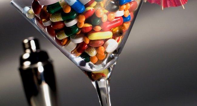 С какими продуктами и лекарствами не стоит сочетать алкоголь?